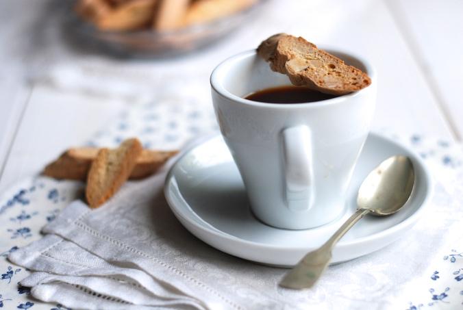 ke kávě