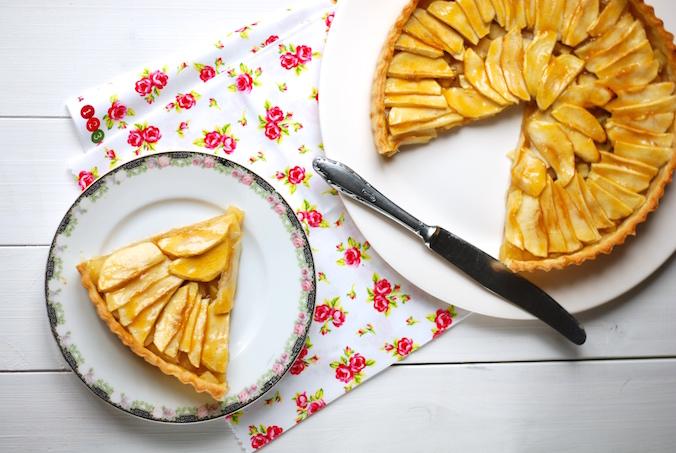 Jablečný koláč z křehkého těsta