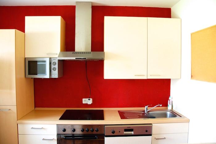 uspořádání kuchyně a vybavení linky