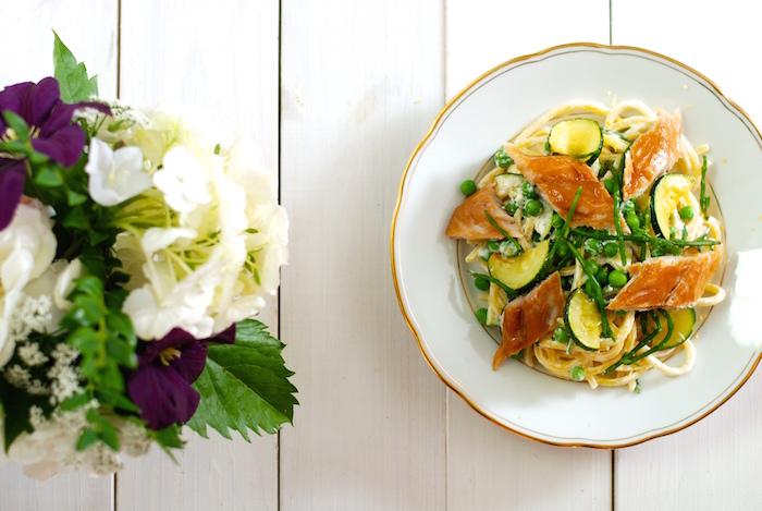 těstoviny s hráškem a slanorožcem