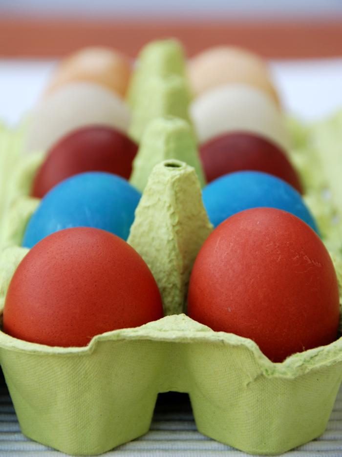 přírodně obarvená velikonoční vajíčka