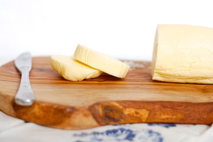 čerstvé domácí máslo