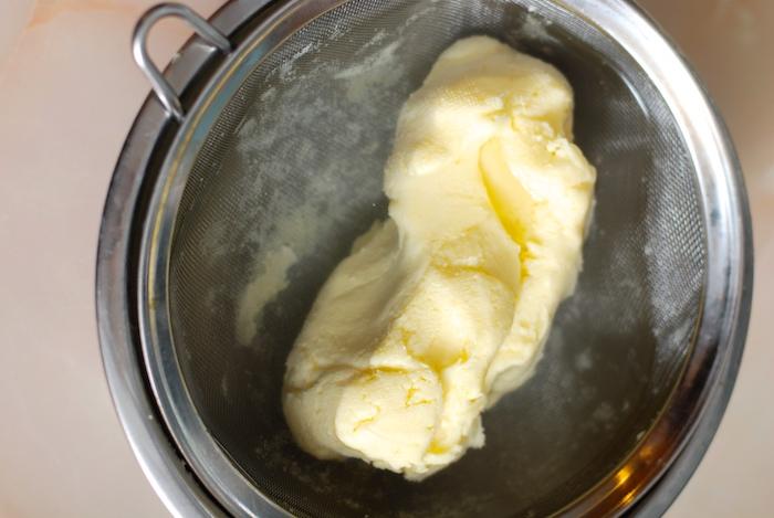 proplachování domácího másla