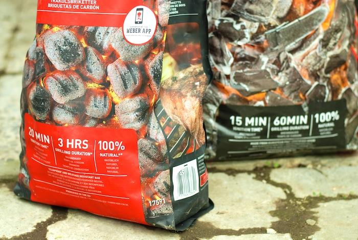 uhlí nebo brikety na grilování