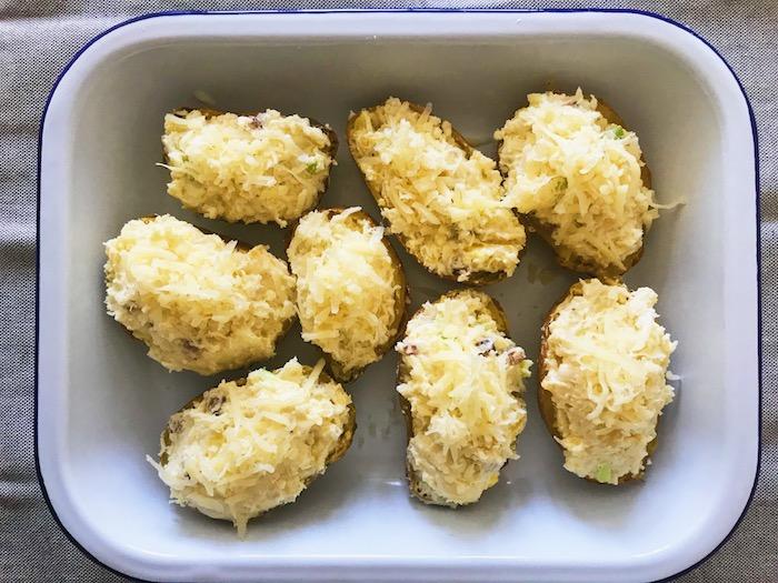 plněné brambory před pečením
