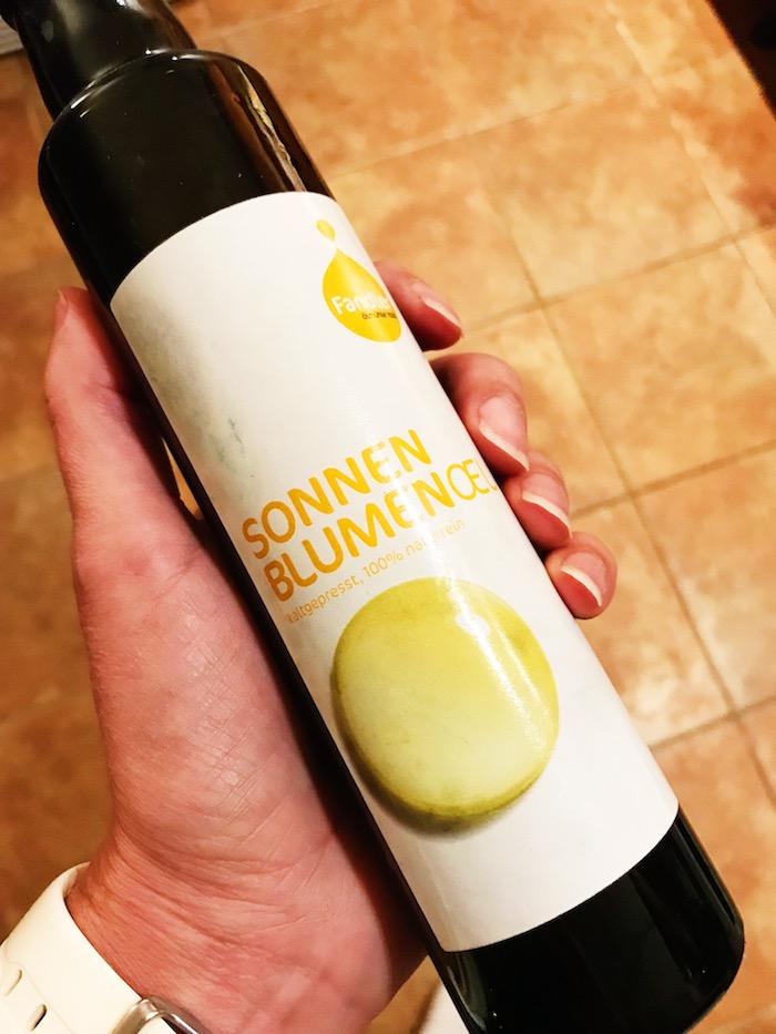 slunečnicový olej lisovaný za studena