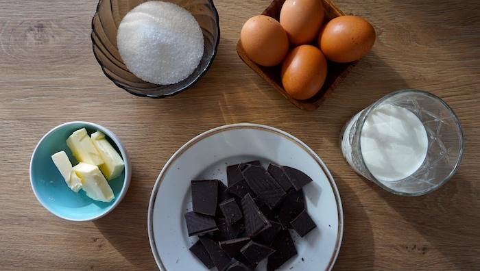 suroviny na čokoládovou pěnu