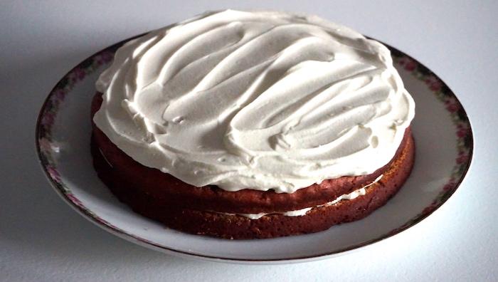 red velvet cake s krémem z čerstvého sýra