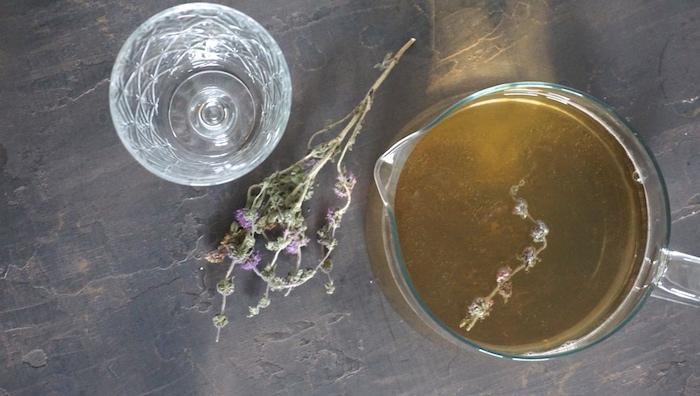 ledový bylinkový čaj