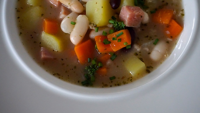 polévka s jemnými vločkami