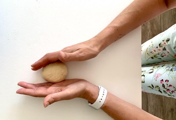tvarování domácích hamburgerových bulek
