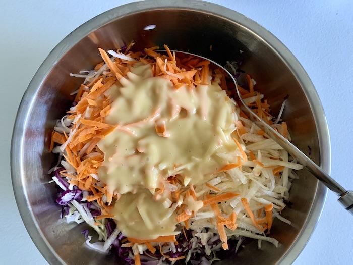 coleslaw před zamícháním