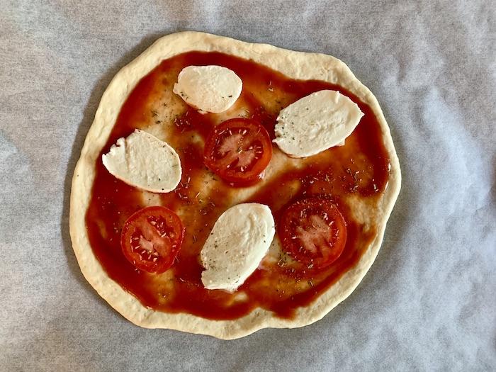 domácí pizza margherita