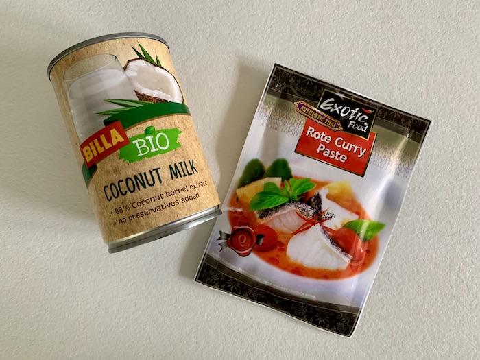 kokosové mléko a kari pasta